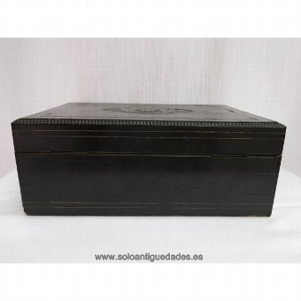 Antique Old jewelry box decorated with Boulle marquetry