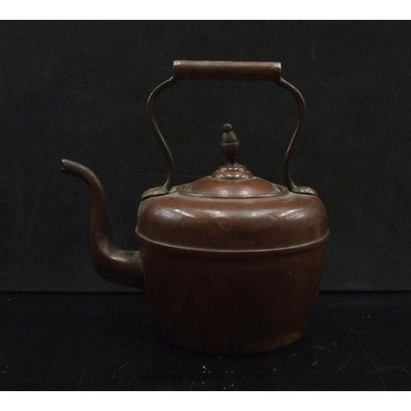Copper teapot with lid conical