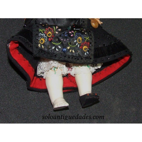 Antique Old doll suit segoviano