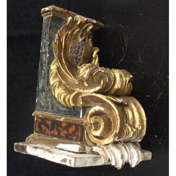 Antique Bracket with vegetable