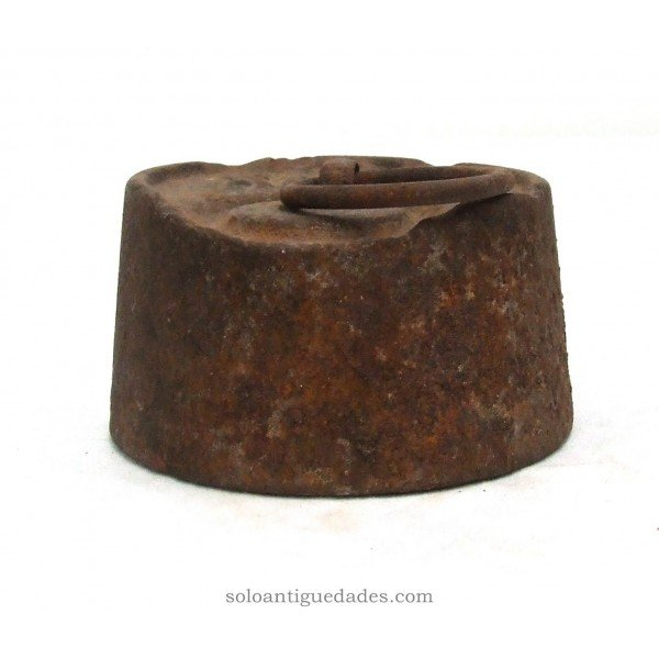 Antique 2kg weight iron with cylindrical