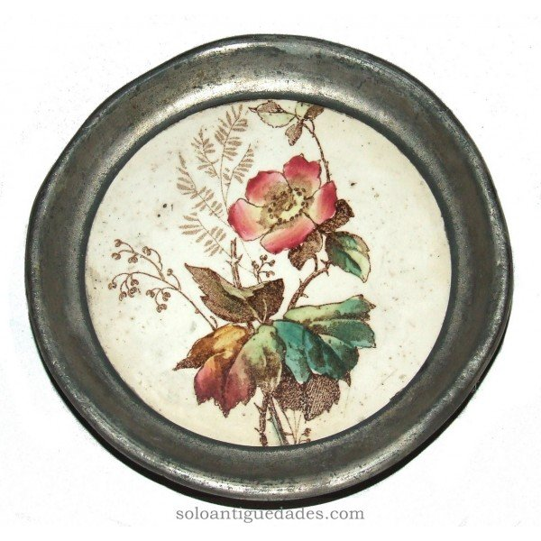 Antique Tray decorated with flowers and leaves