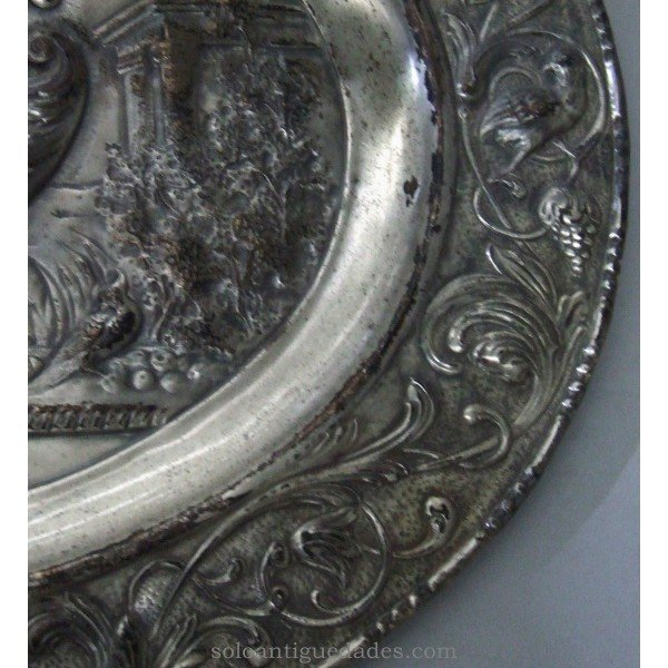 Antique Tin oval tray