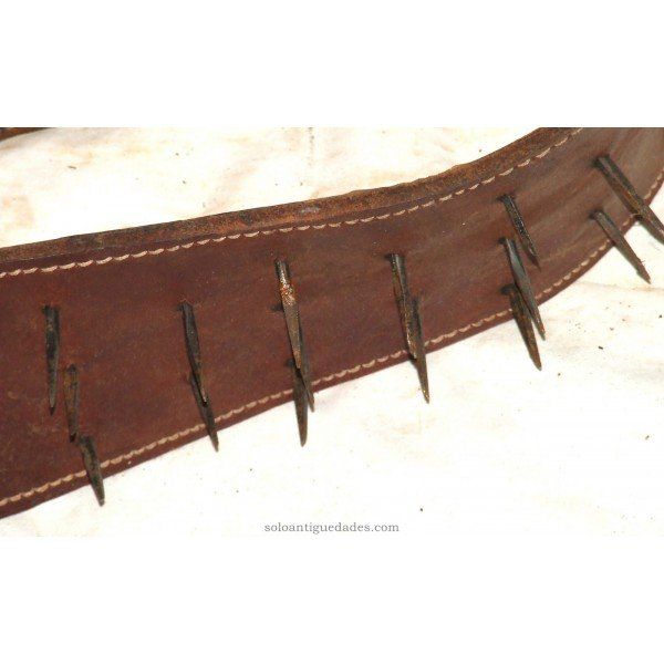 Antique Leather Spiked Carlanca
