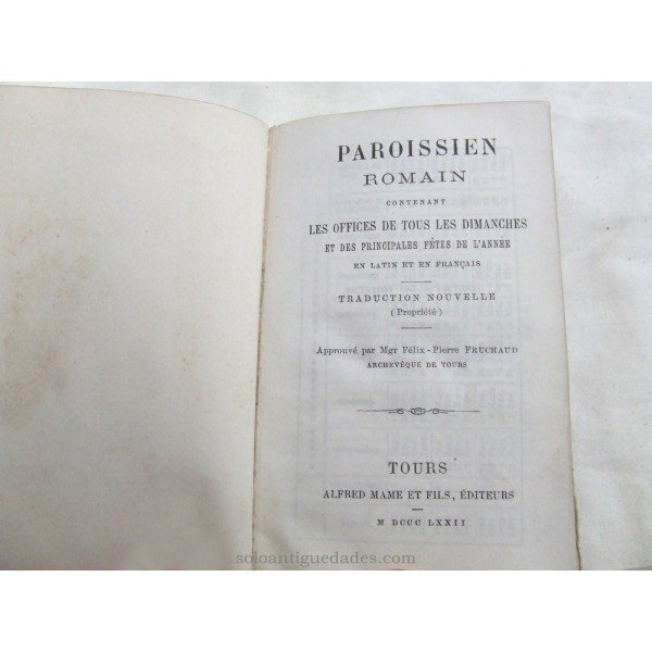 "Antique Book for prayers ""PAROISSIEN ROMAIN"""