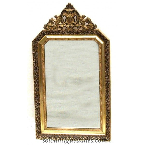 Antique Neo mirror decorated with floral water height at the edge