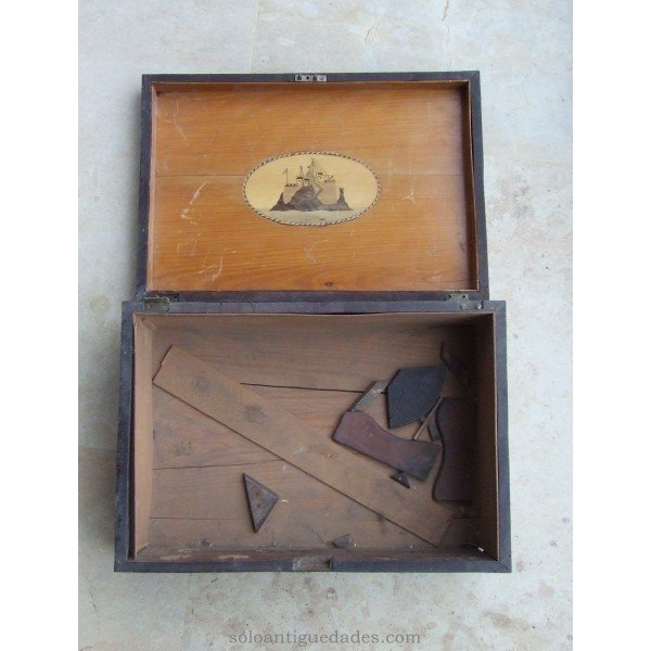 Antique Box sledding scene collection