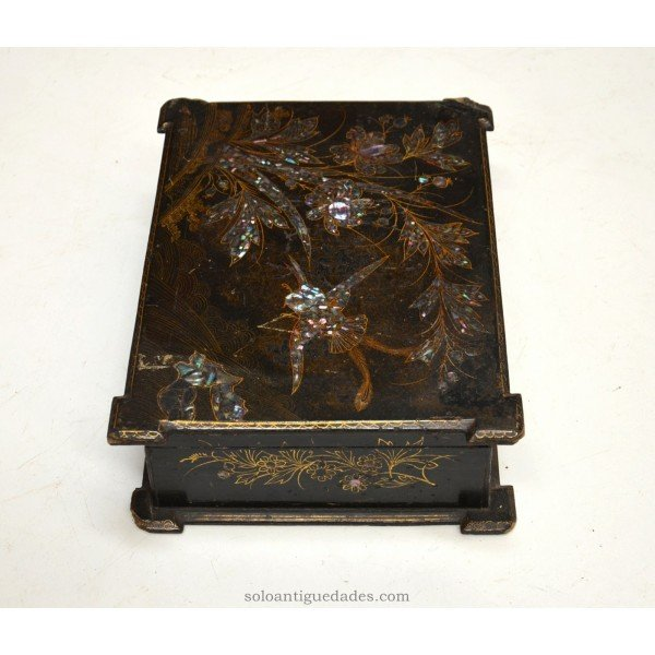 Antique Collection box decorated with birds