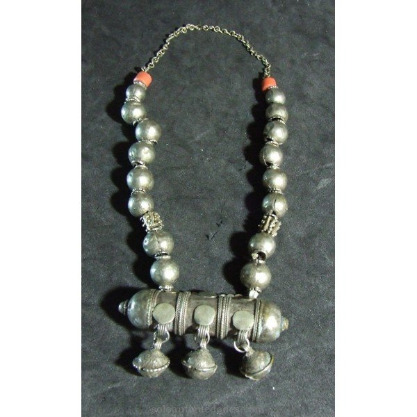 Antique Spherical beads necklace Silver