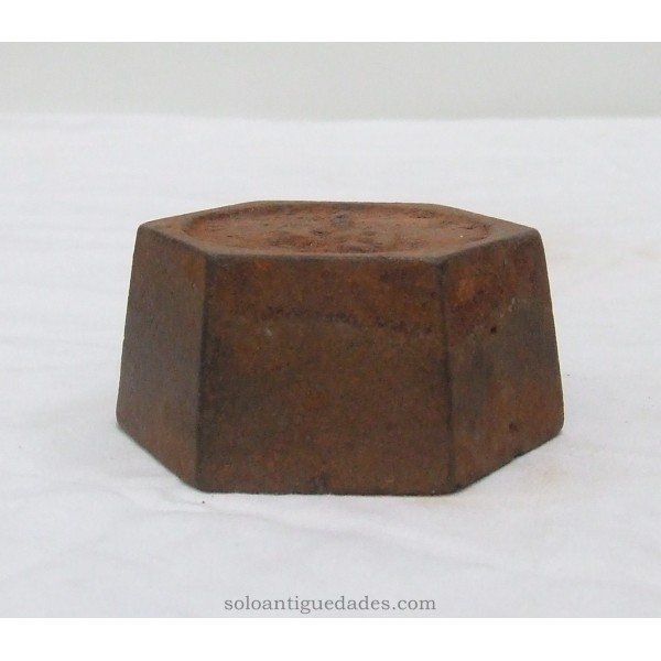 Antique Weighs 1kg with hexagonal base
