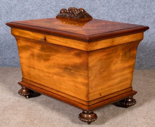 Fine Mahogany Cellarette Wine Cooler