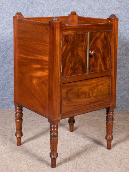 Georgian Mahogany Night Stand Bedside Cabinet