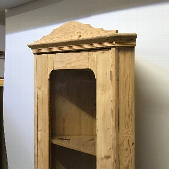 Antique OLD PINE CORNER DISPLAY  CABINET