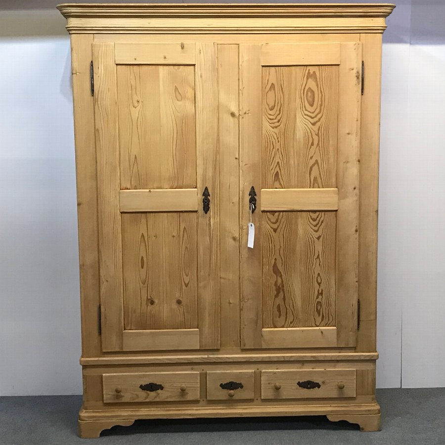 LARGE FRENCH ANTIQUE PINE WARDROBE (DISMANTLES)