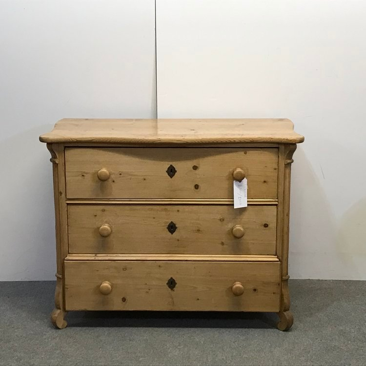 SMALL ANTIQUE PINE CHEST OF DRAWERS