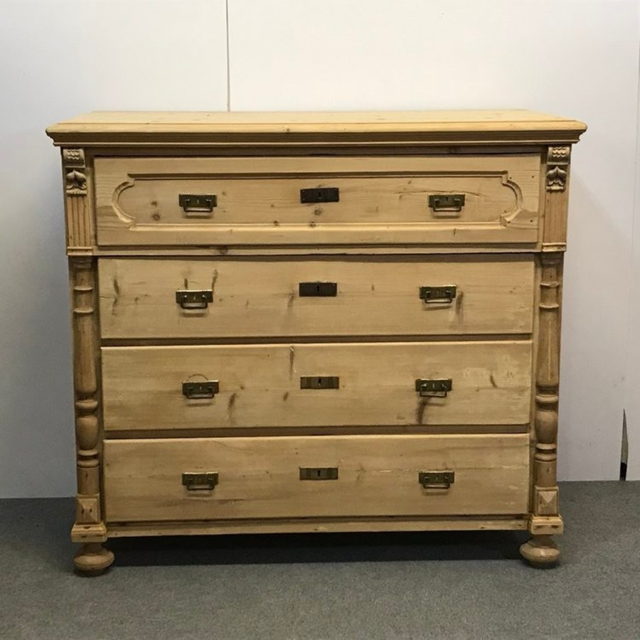 LARGE ANTIQUE PINE CHEST OF 4 DRAWERS