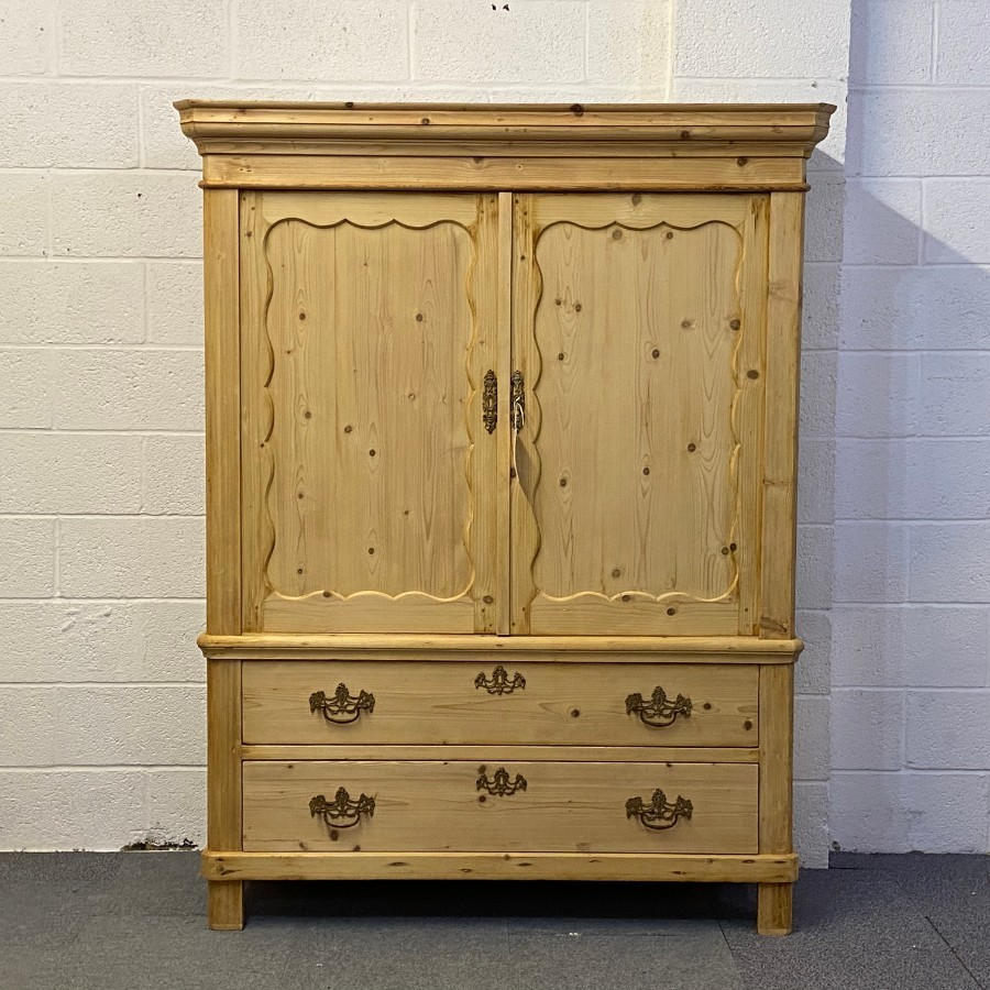 ANTIQUE DUTCH PINE LINEN PRESS