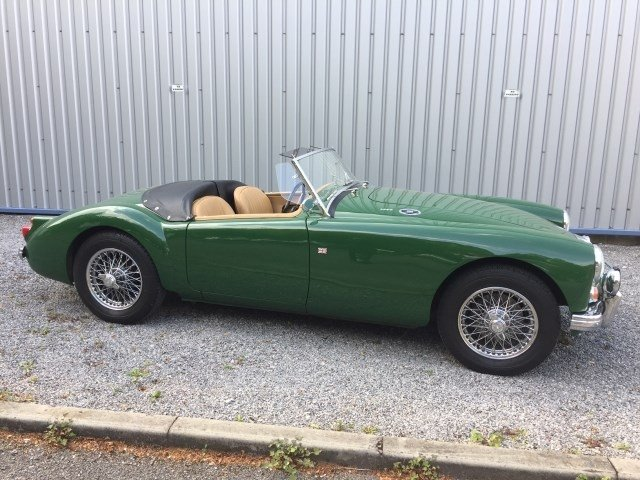 Antique 1960 MGA 1600 MK1 Roadster (Ref: PJ53) Classic English