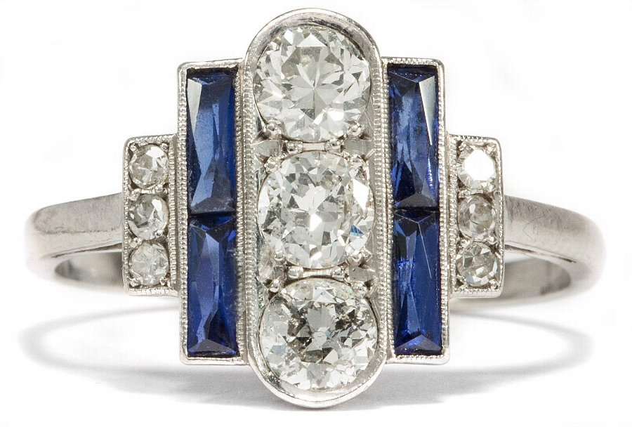 Art Deco Platinum Ring with Brilliants Wesselton Diamonds & Sapphires.