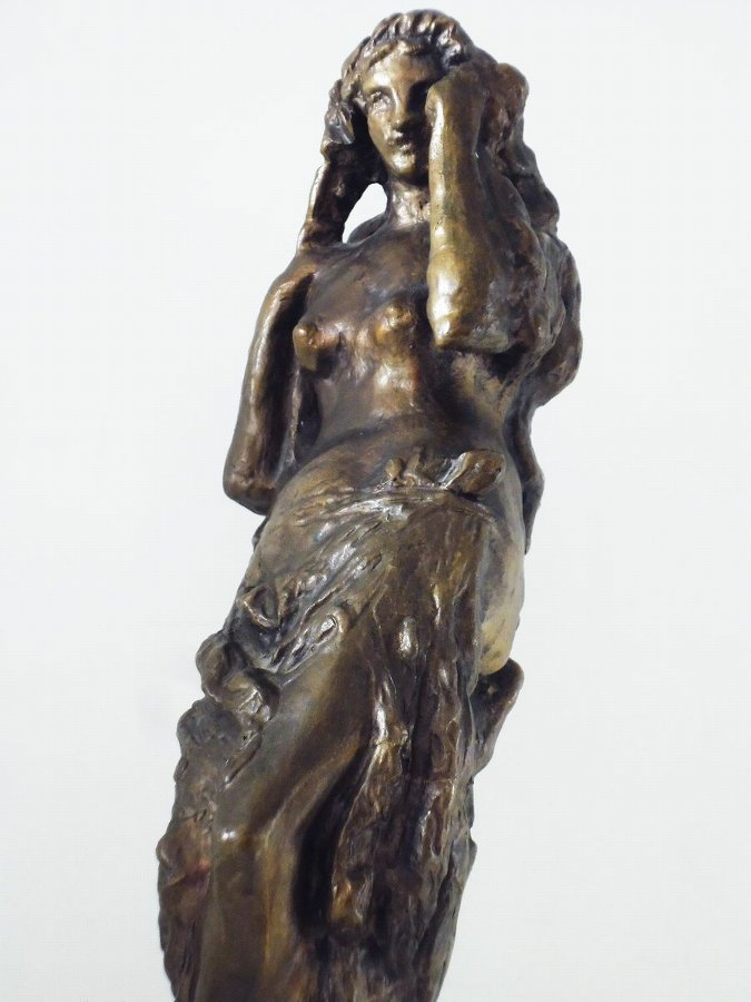 Antique A bronze statue of a woman - Josef Wagner (March 2, 1901 - February 10, 1957) Czech