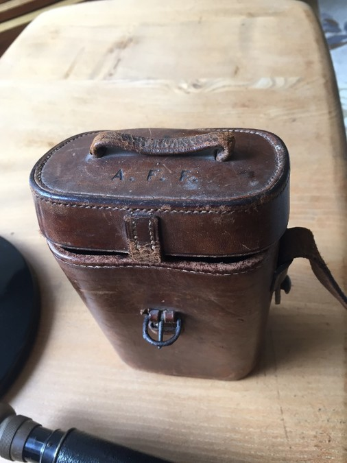 Antique WW1 ROSS OF LONDON BINOCULARS IN CASE.