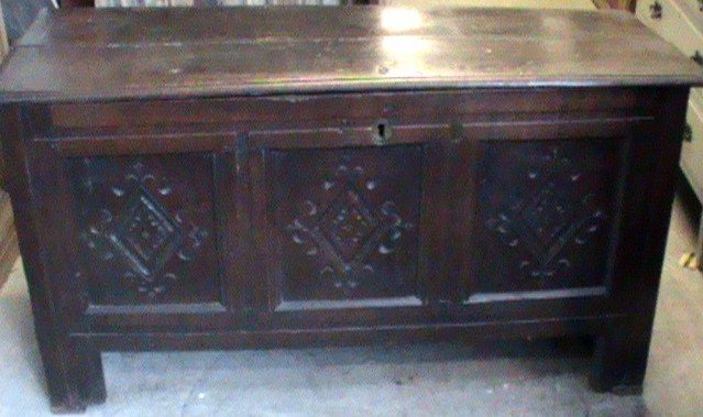 17th cent. oak coffer