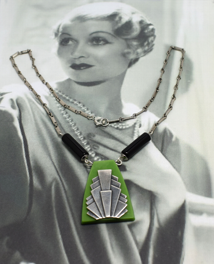 Art Deco Geometric Ladies Necklace