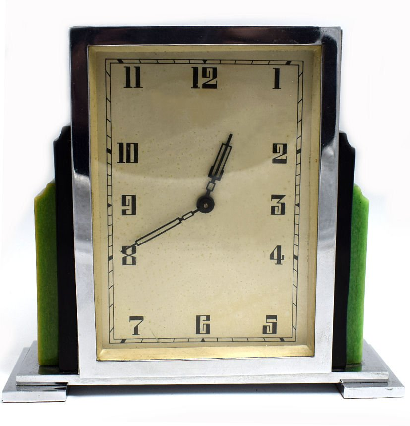 Art Deco English Mantle Clock In Chrome And Phenolic Bakelite