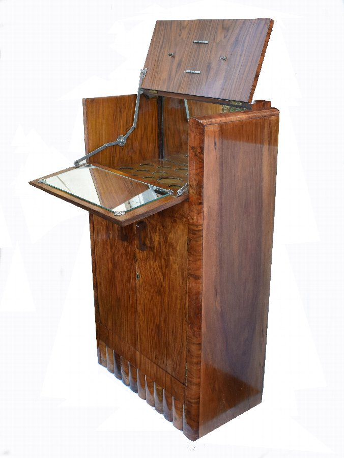 1930's Art Deco Fitted Walnut Cocktail Cabinet