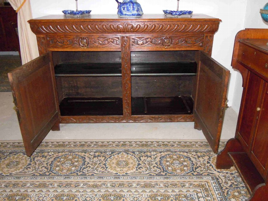 Antique French carved oak buffet/Sideboard/Cupboard