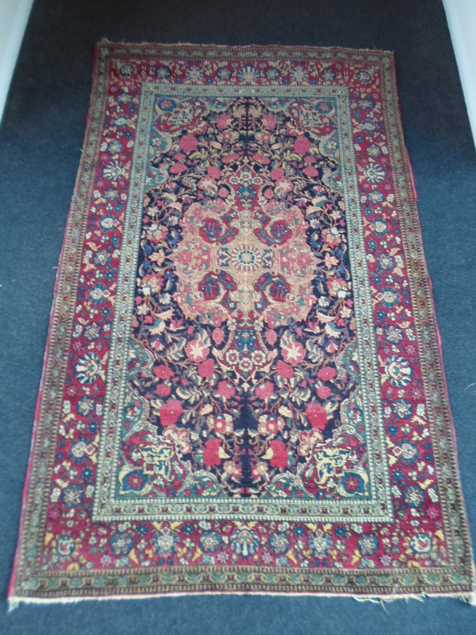 Beautiful Antique Early 1900's Persian Isfahan Rug