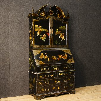 Antique English lacquered, golden and painted chinoiserie trumeau