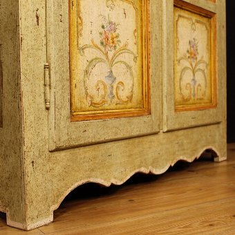 Antique Italian lacquered and painted vitrine with floral decorations