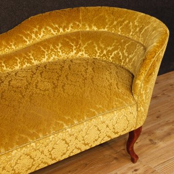Antique French chaise longue in damask velvet