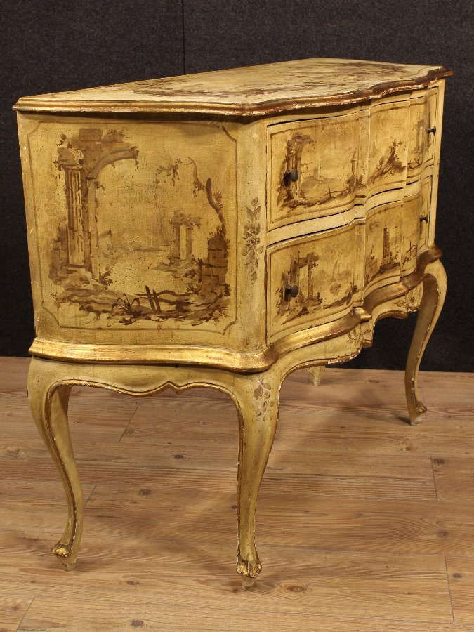 Antique Venetian lacquered, gilded and painted dresser of the 20th century