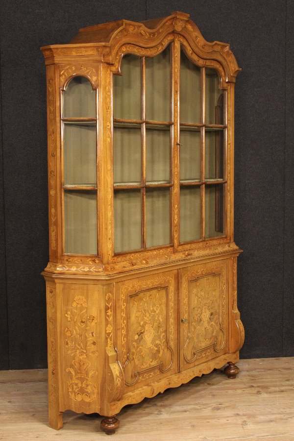 Antique Dutch finely inlaid showcase of the 20th century