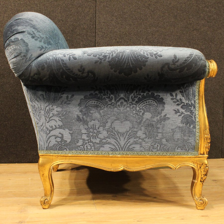 Antique Pair of gilded armchairs in blue velvet