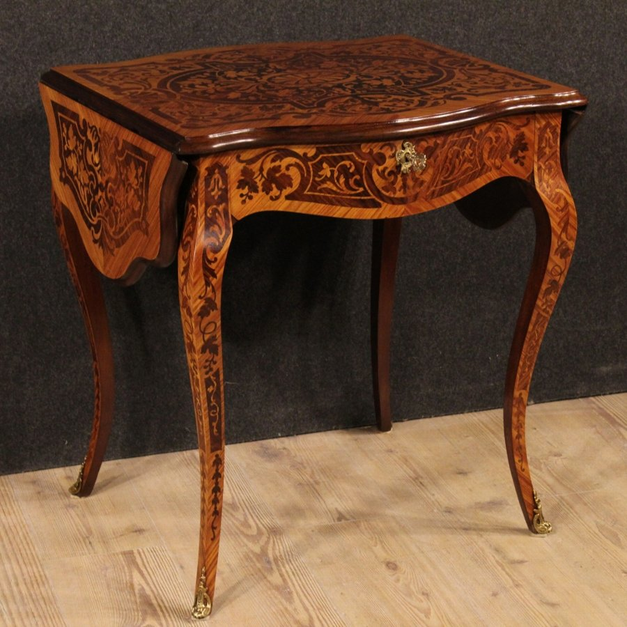 Small French writing desk inlaid in rosewood
