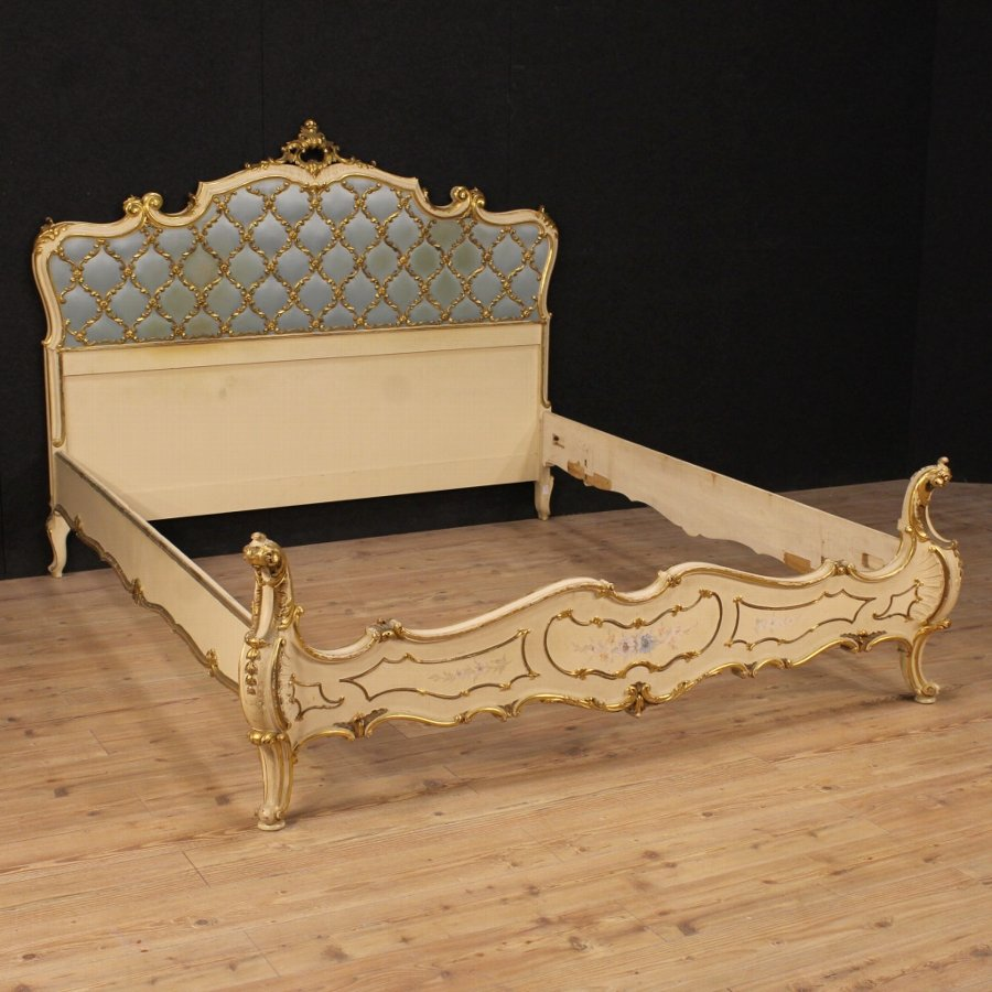 Italian double bed in lacquered, gilded and painted wood
