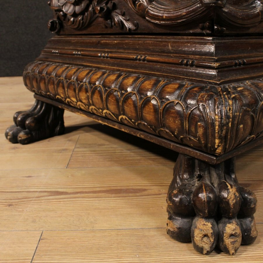 Antique Great Italian chest in carved walnut