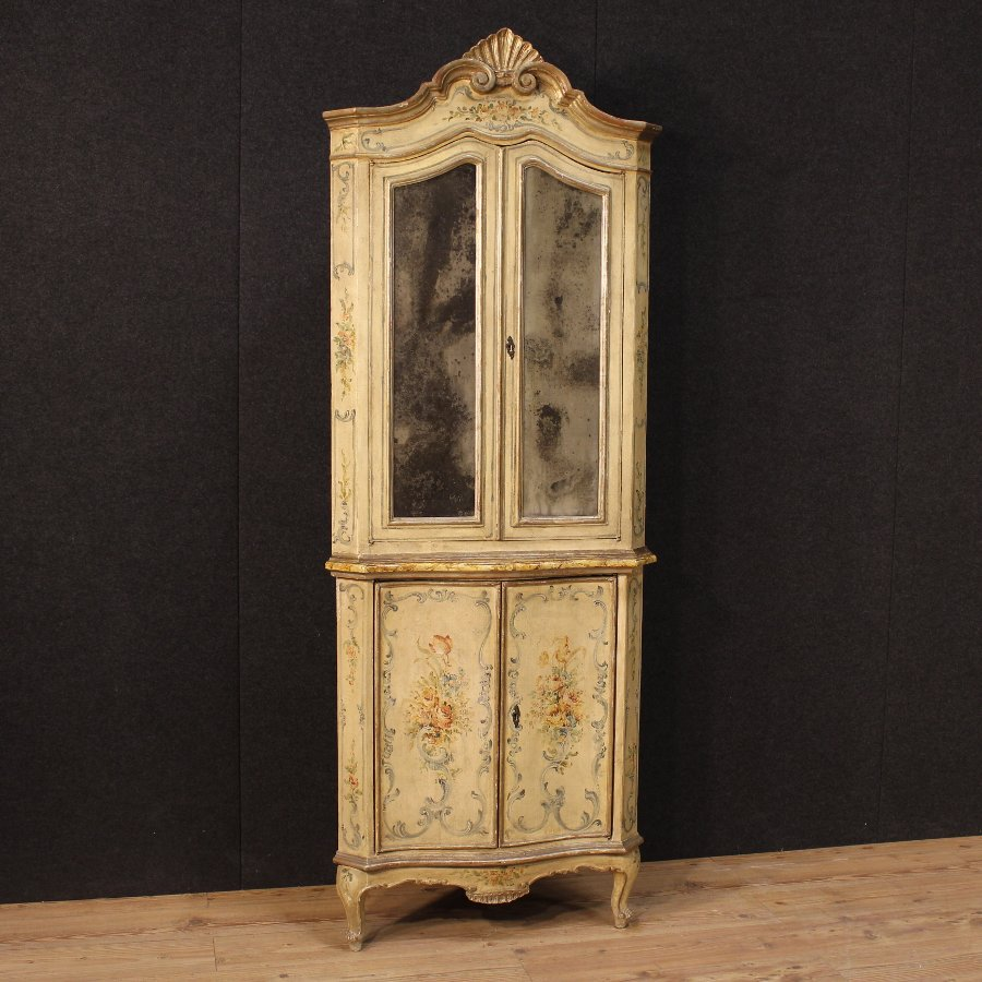 Antique Venetian lacquered and painted corner cupboard of the 19th century