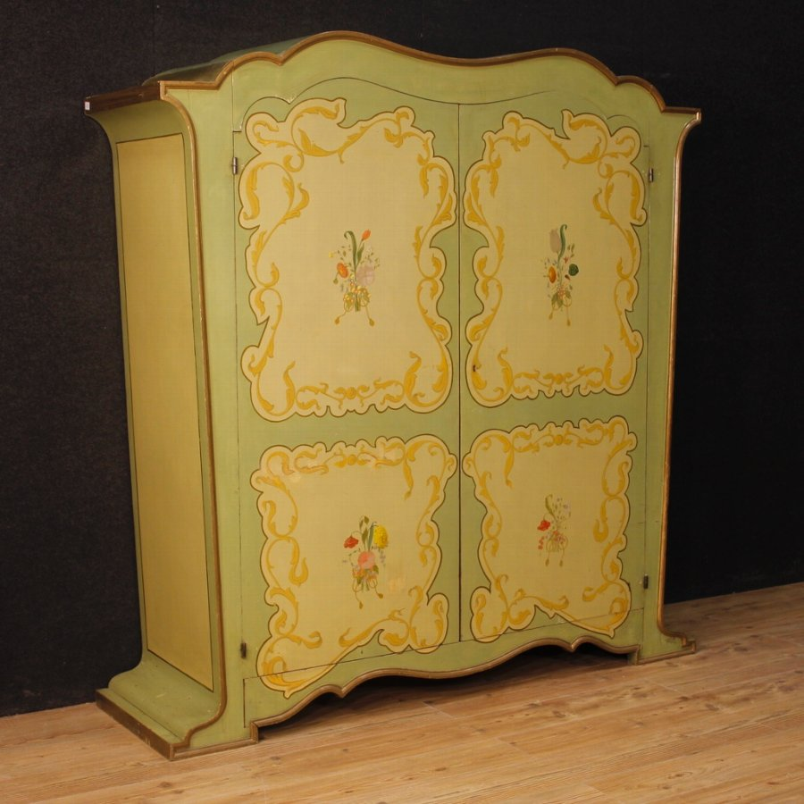 Italian wardrobe in painted wood in Art Nouveau style