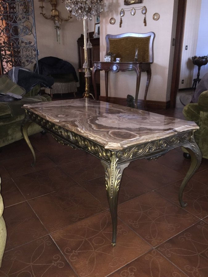 Antique Coffe Table with marble top