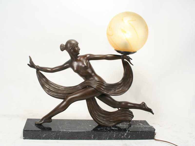 Art Deco Ouline Lady  Sculpture Lamp