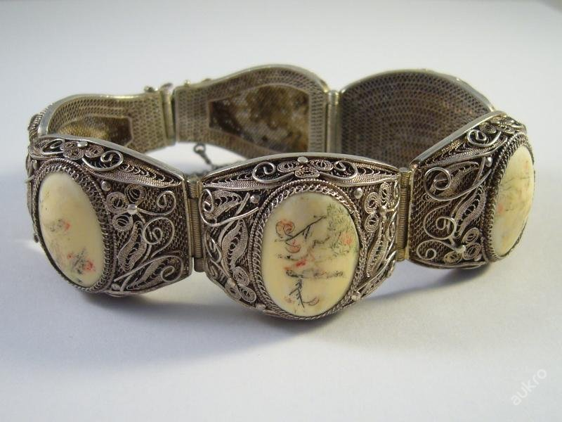 Antique Collector's rarity - Bracelet Year 1860