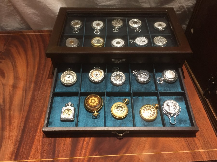 Watches cabinet