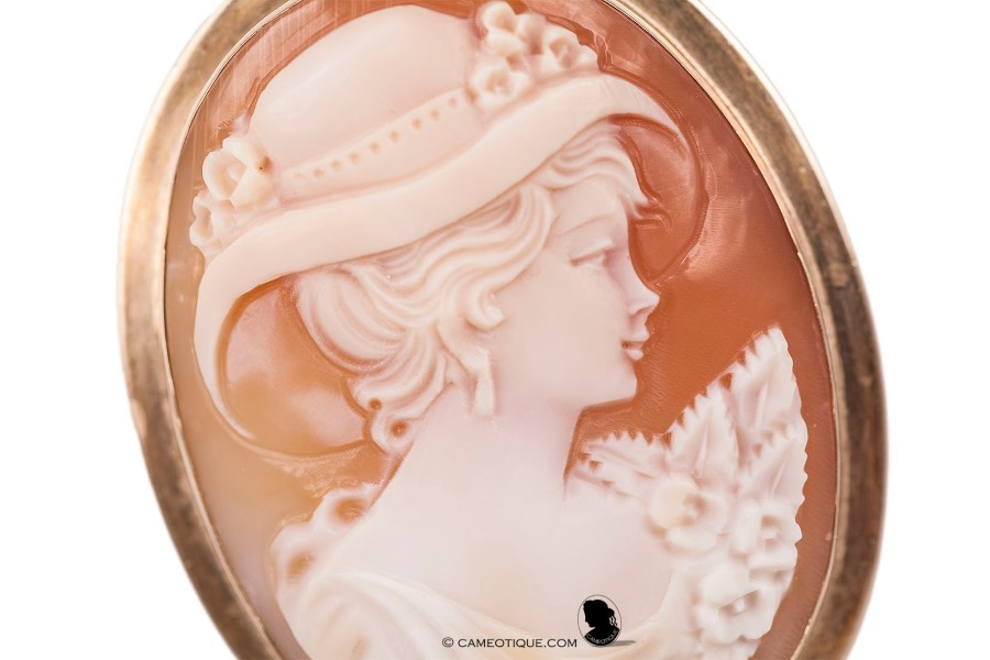 Antique Vintage Carnelian shell cameo brooch with charming depiction of a girl in a hat set in a hallmarked 9kt gold mount.  FREE WORLDWIDE SHIPPING