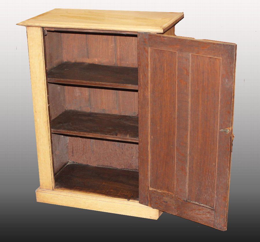 Antique Antique Oak Panelled Cupboard. Victorian cabinet with shelves