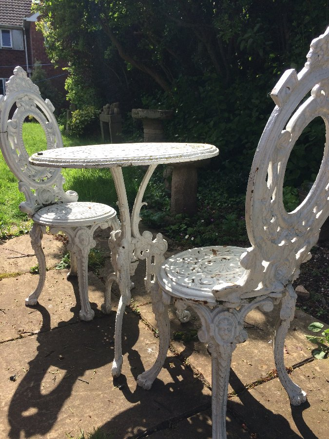 Antique Victorian cast iron table & Chairs