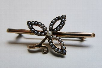 20th century Antique 15ct Gold and Seed Pearl Brooch